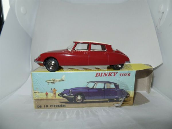 Atlas French Dinky 530 CITROEN DS19 DS 19 MAROON CREAM